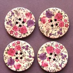 Lovely large wood buttons in retro floral design