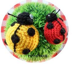 Schema, spiegazione coccinella amigurumi all'uncinetto!!! Amigurumi Tutorial, Crochet Amigurumi, Knitting Patterns, Crochet Patterns, Knit Pillow, Finger Puppets, Cozy Blankets, Natural Texture, Crochet Animals