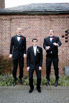 A fun photo-idea from Paired Images #groomsmen