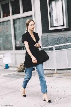 New York Fashion Week Spring Summer 2016 Street Style Elin Kling Levis Chanel Shoes Chanel Street Style, New York Fashion Week Street Style, Spring Street Style, Fashion Blogger Style, Cool Street Fashion, Street Style Looks, Looks Style, Elin Kling, Streetstyle 2016