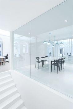 Dynamo by Anne Sophie Goneau Design Corporate Interior Design, Corporate Interiors, Office Interiors, Modern Interior, Interior Architecture, Bureau Open Space, Minimalist Home, Minimalist Interior, Fashion Room