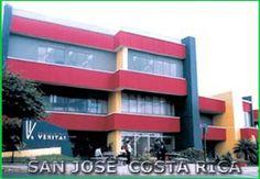 Es la escuela in San José, Costa Rica. Se llama University of Veritas. Es una buena escuela.
