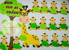 Mimos de Infância Classroom Wall Decor, Classroom Calendar, Classroom Themes, School Board Decoration, Class Decoration, School Decorations, Kids Art Class, Art For Kids, Pinterest Crafts For Kids