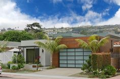 The compelling design of this California home blends modern and contemporary elements with careful architectural details to create a fresh, powerful approach to stylish living today.