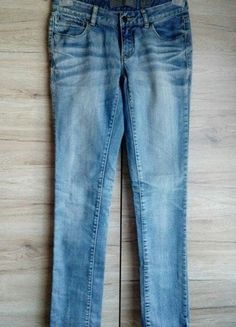Kup mój przedmiot na #vintedpl http://www.vinted.pl/damska-odziez/rurki/16190206-spodnie-jeansowe-vero-moda-r-2834