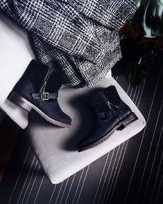 EMU Lammfellschuhe Damen - Pelzmode Philipp Sladky in Perchtoldsdorf Emu, Biker, Shoes, Coming Soon, Fur Fashion, Action, Zapatos, Shoes Outlet, Shoe