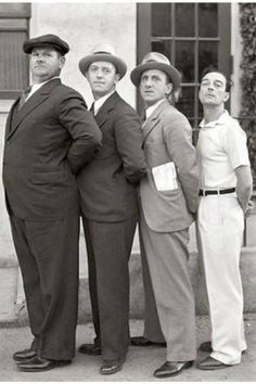 Oliver Hardy, Stan Laurel, Jimmy Durante e Buster Keaton (circa 1932).
