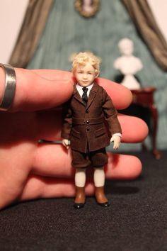 Bertram Miniatures Z Victorian Dolls, Antique Dolls, Vintage Dolls, Dollhouse Dolls, Miniature Dolls, Dollhouse Miniatures, Tiny Dolls, Old Dolls, Doll House People
