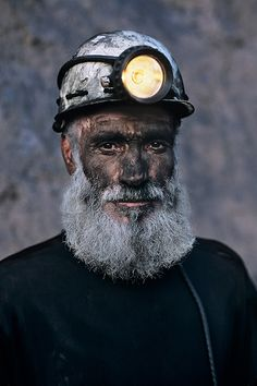 Portraits of Steve McCurry - An Amazing Collection - 121Clicks.com