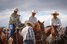 The Sale Horse curates photos from a fall roping with big calves and lots of dust on a Nevada ranch - Photos from buckaroo cowboy life in Denio, Nevada. Cowboy Love, Cowboy Hats, Big Calves, Horse Ranch, Ranch Life, Horse Photography, Beautiful Horses, Rodeo