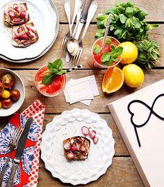 Oyez Oyez foodistas! Notre famille de ❤️ s'est mise aux fourneaux & vous a concocté des recettes très Gaja! Découvrez-les sur notre site www.maisongaja.com/invitez-vos-amies/recettes/ & régalez vous!  MERCI à René & Maxime Meilleur de la Bouitte à Sylvain Sendra d'Itinéraires & la Bocca @sylvain_sendra_itineraires à Elise Dumas @thepineapplechef & bien d'autres encore! Bon appétit! (Photo @thepineapplechef) #joiedevivre #lhumeurdelooky #lajoiesepartage #lesacquisourit #lesacdemesreves #bag…