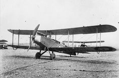 Airco DH.9 single-engined biplane bomber.