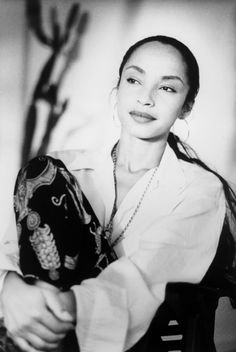 Woman of ageless beauty. Her music is ageless as well. Woman of ageless beauty. Her music is ageless as well. Quiet Storm, Marvin Gaye, Easy Listening, Soul Music, Her Music, Black Is Beautiful, Beautiful People, Sade Adu, Pop Rock