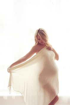 Praise Wedding » Wedding Inspiration and Planning » 21 Romantic Maternity Photos