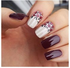 Elegant vintage flower nails