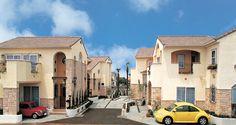 「ラ・ミア・カーサ」の街づくりプロジェクト。南欧の街並みを再現しました。|南欧風住宅・プロヴァンス|アーチ|砂岩| Natural Interior, Exterior, Mansions, Abstract, Architecture, House Styles, Artwork, Nature, Home Decor