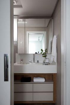 Cores vibrantes garantem um décor alegre - Casa Vogue | Apartamentos
