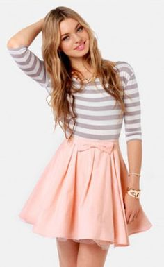Ladies Fashion O-Neck Half Sleeve Bowknot Striped Pleated Dress