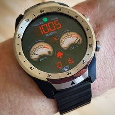 Cool Watches, Watches For Men, Unique Watches, Digital Watch Face, Samsung Gear S3 Frontier, Watch Faces, Make Time, Vintage Watches, Smart Watch
