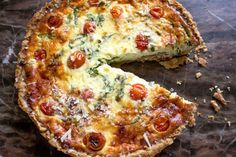 Rustic Vegetable Tart- If you have vegetables and a pie crust you can have a rustic and simple but very delicious dinner. Wrap Recipes, Side Dish Recipes, Veggie Recipes, Cooking Recipes, Healthy Recipes, Side Dishes, Vegetable Tart, Savory Tart, Dinner Salads
