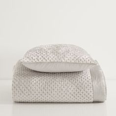 PLAIN GREY EDGE HAND-QUILTED VELVET QUILT AND CUSHION COVER