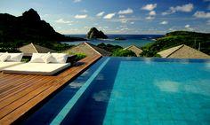 9 hotéis com piscina e vista top pra conhecer durante a vida