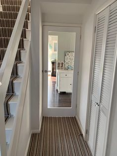 Love how fresh and clean this hallway looks with the white walls and doors plus beautiful sunlight shining through White Wooden Doors, Internal Wooden Doors, Wood Doors, Open Plan Kitchen Living Room, Kitchen Doors, Dining Room, Glass Room, Glass Walls, White Interior Doors