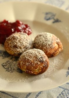 Æbleskiver Every Christmas morning, Yummy! Christmas Desserts, Christmas Baking, Gourmet Recipes, Cake Recipes, A Food, Food And Drink, Sandwiches, Food Film, Vegetable Prep