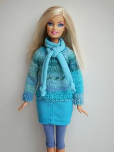 Barbie Knitting Patterns, Barbie Patterns, Diy Barbie Clothes, Doll Wardrobe, Clothes Crafts, Barbie Dress, Knitted Dolls, Barbie And Ken, Free Knitting