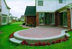 How to Build a Raised Patio Out of Brick Pavers thumbnail