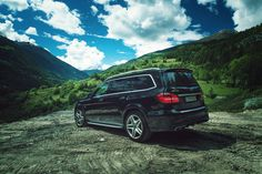 The GL becomes the GLS. And it is setting standards – with an ample spaciousness, agile dynamics and luxurious comfort. Photo by Patrick Paparella (www.paparella.de) for #MBsocialcar [Mercedes-AMG GLS 63 4MATIC | Fuel consumption combined: 12.3 l/100km | combined CO₂ emissions: 288 g/km | http://mb4.me/efficiency_statement]