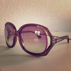 7d829e6b816 AUTHENTIC TOM FORD Jacqueline TF100 Sunglasses Hit the beach or lounge  poolside in this fabulous chic