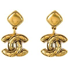 Chanel Vintage Logo Pendant Clip-on Earrings ($1,304) ❤ liked on Polyvore featuring jewelry, earrings, metallic, vintage pendant, chanel jewelry, logo earrings, logo jewelry and clip earrings