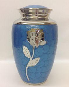urne funéraire en laiton bleu