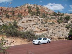 Mietwagen im Zion Nationalpark auf der Reiseroute: 21 Tage USA Westküste. Der Klassiker! #usamietwagentips #usa #zionnp #mietwagen
