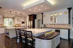 This is a must-see gallery of 32 kitchen designs. Here you will see 32 magnificent custom luxury kitchens designed by Drury Design.