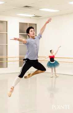 Jeffrey Cirio rehearsing with Seo Hye Han. Photo by Liza Voll.
