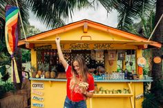 OAHU TRAVEL GUIDE: Eat at the sunrise shack on Oahu. More Hawaii travel ideas on our site www.ourgoodadventure.com