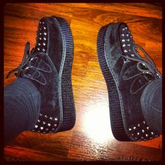 YEAAAAAAHHHHH! Finely, I have my creepers!!!