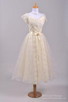 1950's Rosebud Lace Vintage Wedding Dress : Mill Crest Vintage