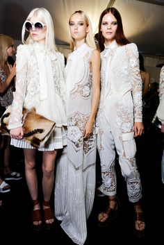 Roberto Cavalli Spring 2015 Ready-to-Wear Beauty Photos - Vogue Fashion Week, Runway Fashion, Fashion Show, Womens Fashion, Fashion Trends, Ss15 Fashion, Fashion Outfits, Style Haute Couture, Spring Couture