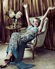 "Carey Mulligan (wearing a Miu Miu gown) in character as ""Daisy Buchanan"" in ""The Great Gatsby"" release) for Vogue May 2013 (photo credit: Mario Testino) Carey Mulligan, Mario Testino, Look Gatsby, Gatsby Style, Gatsby Movie, Gran Gatsby, Gatsby Girl, 1920 Style, Gatsby Theme"