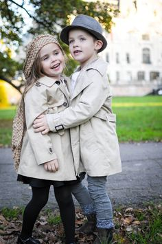 Sister and brother love , fashion kids  www.mybellepapillon.blogspot.com