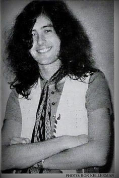 Jimmy Page♥♥♥He is adorable,beautiful,hot,sexy and he has very pretty eyes and a pretty smile.♥♥♥
