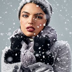 Studio F Colombia Let It Snow, Let It Be, Fashion Moda, Leggings, Studio, Scarves, Pants, Colombia, Gloves