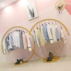 Cheap standing clothing rack, Buy Directly from China Suppliers:European-style iron art clothes hat stand on the floor of a fashion clothing store display rack Clothing Store Interior, Clothing Store Displays, Clothing Store Design, Womens Clothing Stores, Clothes For Women, Women's Clothing, Regal Display, Clothes Shelves, Clothes Racks