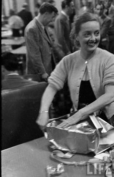 Notes of a boring person - How to celebrate his birthday Bette Davis (April 4, 1950)