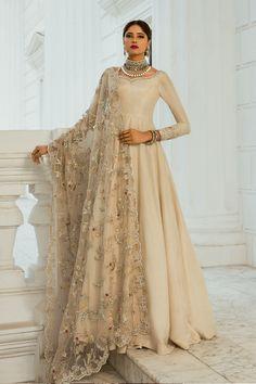 Pakistani Fashion Party Wear, Pakistani Wedding Dresses, Indian Wedding Outfits, Pakistani Outfits, Indian Outfits, Pakistani Clothing, Indian Dresses, Indian Fashion, Wedding Hijab