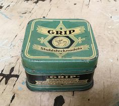 Vintage Grip needle pins tin box, made in Germany Stuck, Tin Boxes, Pin Cushions, Craft Supplies, Fiber, Germany, Vintage, How To Make, Etsy