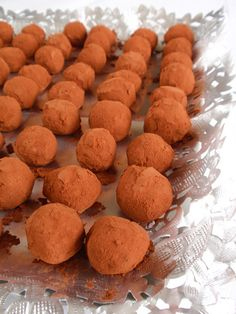 Catànies. Sweet bombons made with almonds and white chocolate. Catalonia